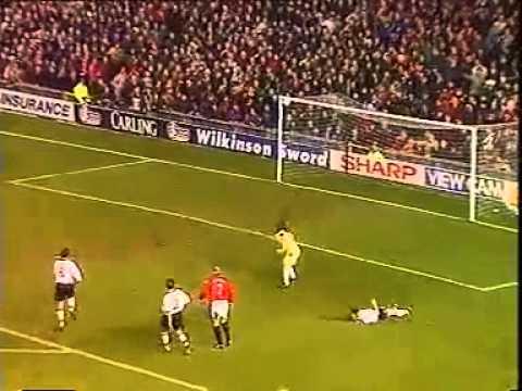 Manchester United [5?] - 0 Sunderland - Cantona