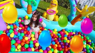 EGGS Surprise Toys Challenge with inflatable ball pool by clubinho da laura