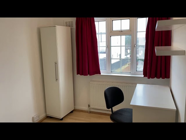 Large Double  Room to let in Surbiton Main Photo