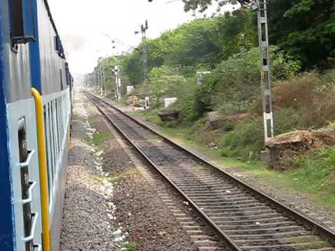 1014 Coimbatore-Kurla Express departing Coimbatore Jn.