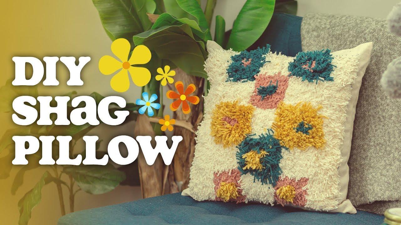 Make A Shag Pillow How To Latch Hook