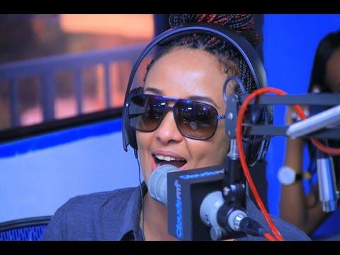 Dj Fetty alivyoagwa kwenye Studio za CloudsFM wakati akitangaza kuacha Utangazaji