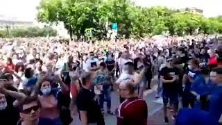 Путина в отставку! Путин вор!, скандируют хабаровчане
