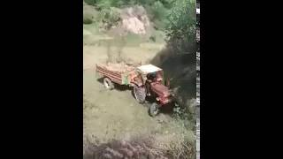 Tractor Accident | Fiat 480 Tractor Broke His Tube And Fell Into Ditch
