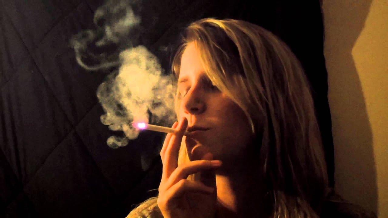 Leah Smoking A VS 120