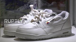 Usa Sneakerheads Dream Vintage Apple And Back Future Shoes Auction