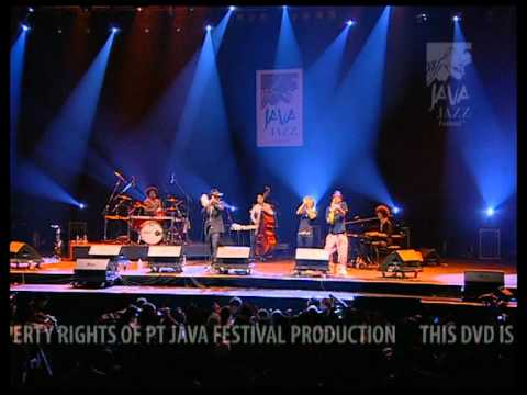 """Soil And """"Pimp"""" Sessions Live At Java Jazz Festival 2009"""