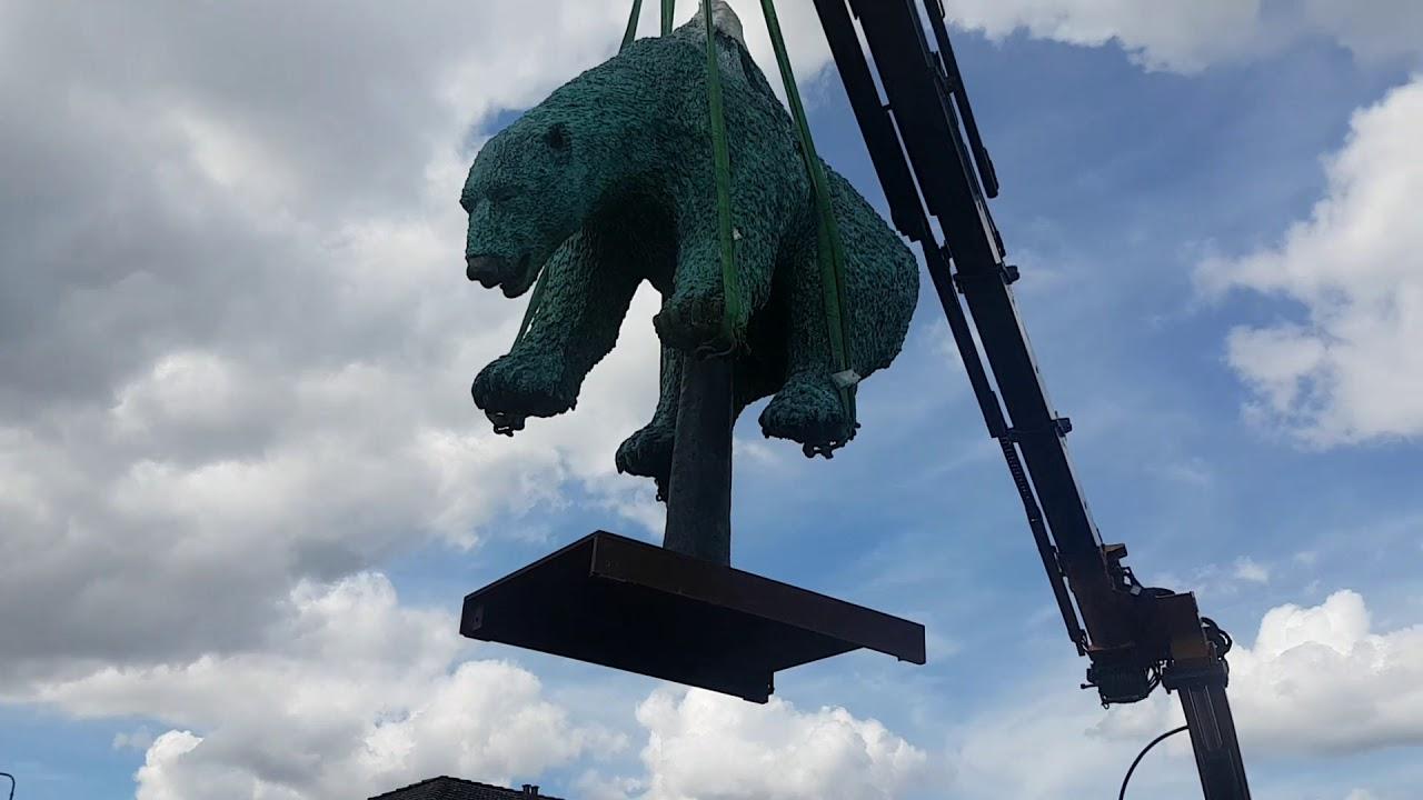 Galschiøts skulptur sættes på plads