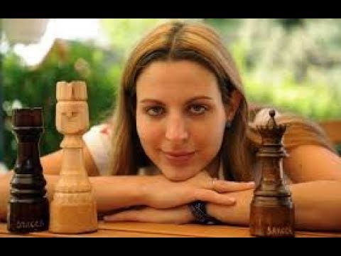 Vassily Ivanchuk grinds WGM Petra Papp down in instructive bishop endgame