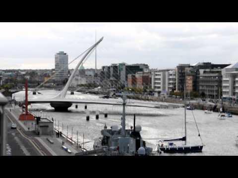 Samuel Beckett bridge opening