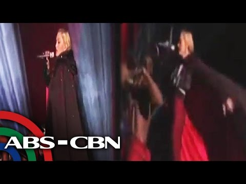 Madonna nalaglag mula sa stage sa Brit Awards