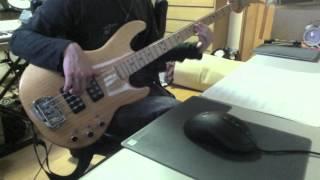 前に耳コピした曲の譜面がでてきたので弾いてみました。 譜面ガン見プレ...