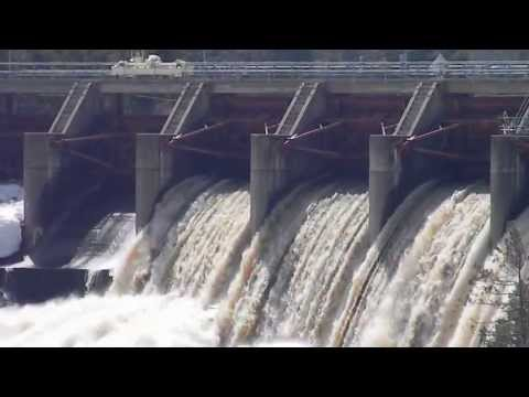 Big Quinessec Hydraulic Falls Dam Closes Flood Gates (720HD)