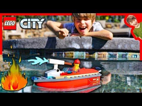 LEGO CITY FIRE BOAT RESCUE!