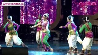 ശരിക്കും... ആദ്യമായിട്ടാ ഇത്രയും കയ്യടി! ജോജുവിന് സ്നേഹ മുത്തം Vanitha Film Awards 2019 PART 11
