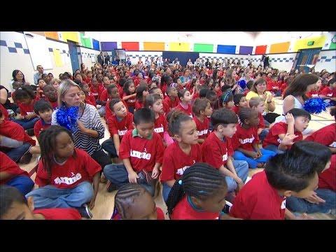 Jamie Foxx and Quvenzhane Wallis Surprise School Kids