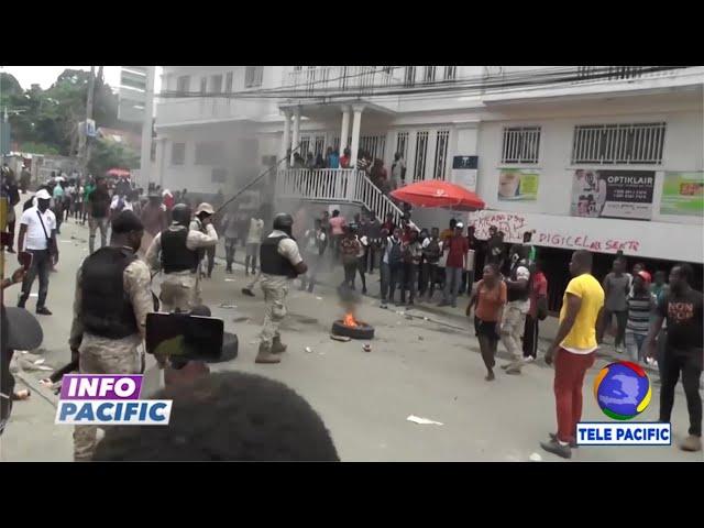 Des citoyens ont manifesté devant le siège de la Digicel qui a augmenté les frais de ses services