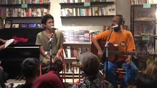 Download Mp3 Fourtwnty - Diskusi Senja  Acoustic Live At Kios Ojo Keos, Jakarta 20/08/2019