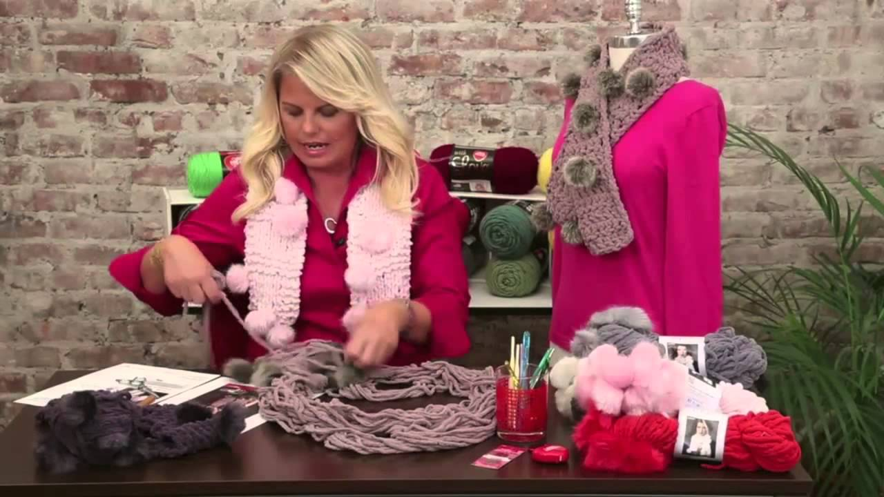 Estambre chic como hacer una bufanda con pompones youtube - Como hacer pompones ...