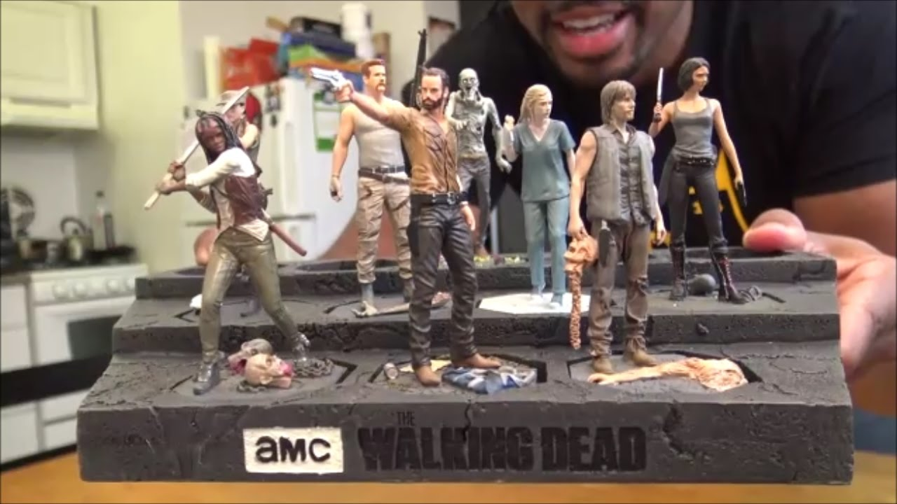 amc the walking dead figurine and plinth unboxing youtube. Black Bedroom Furniture Sets. Home Design Ideas