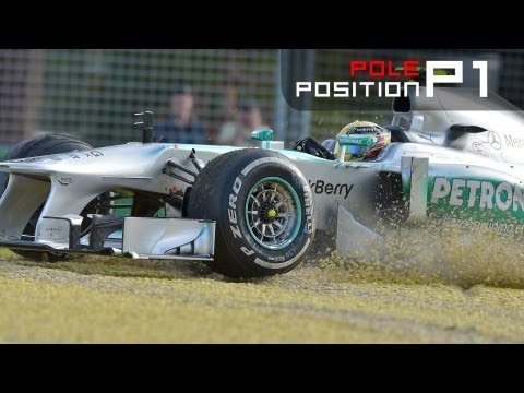 F1 2013 - Australian Grand Prix - Hamilton CRASH & Vettel is fastest