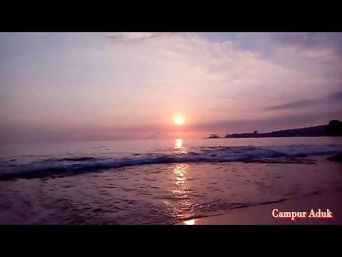 indahnya-sunset-di-pantai-senggigi-lombok-indonesia
