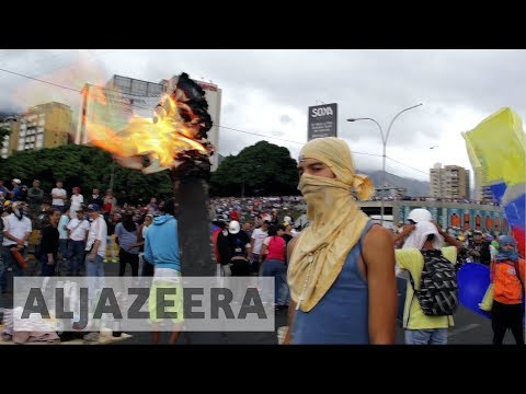 venezuela-crisis:-anti-maduro-protests-overshadow-armed-forces-day