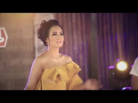 DEWI ZEGA - KEPALING (versi Terbaru KEREN) - (Official Video)
