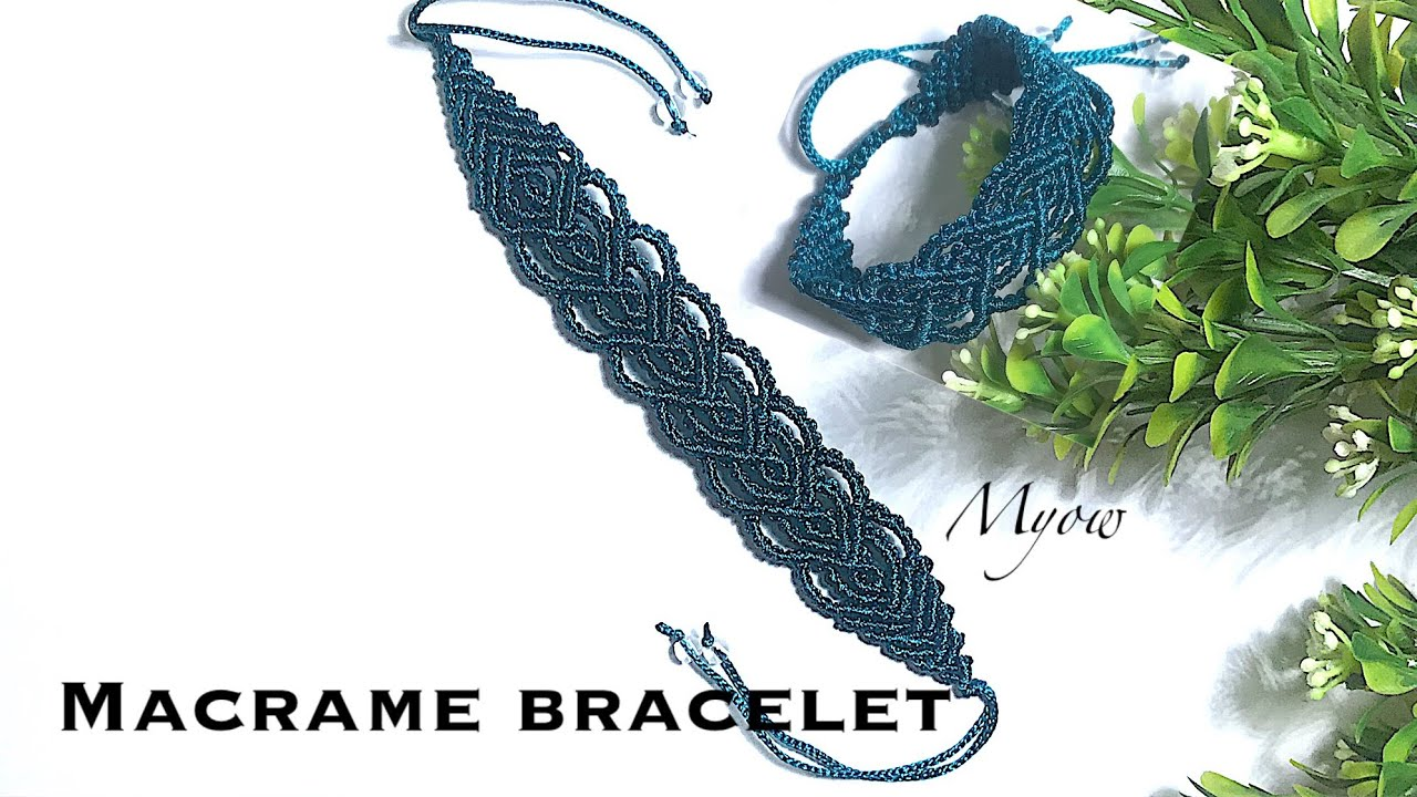Micro macram\u00e9 bracelet