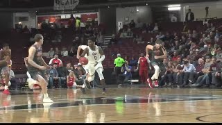 Montana Grizzlies arrive in Des Moines for NCAA Tournament