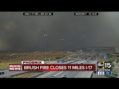 Brush fire closes 11 miles of I-17