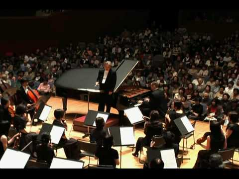 Ivan Yanakov - Liszt Piano Concerto No.1 - part 1