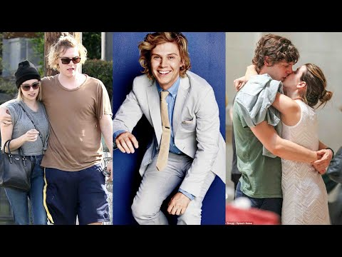 Girls Evan Peters Has Dated  American Horror Story