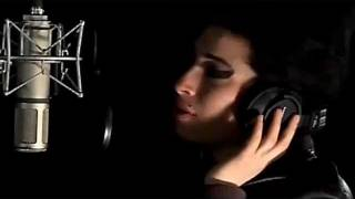 Amy Winehouse -  Love Is A Losing Game  ( lyrics )