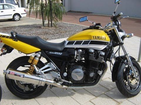 Yamaha XJR1200 exhaust sound, acceleration and fly by ...