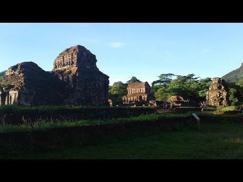 Vietnam Vlog Bite #8: Sunrise at the Mỹ Sơn Sanctuary