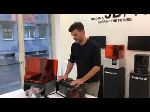 Formlabs Form 3 unboxing, installation and print part 1/3