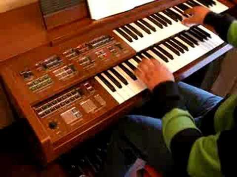 Yamaha c605 electone organ improvisation funnydog tv for Yamaha electone organ models