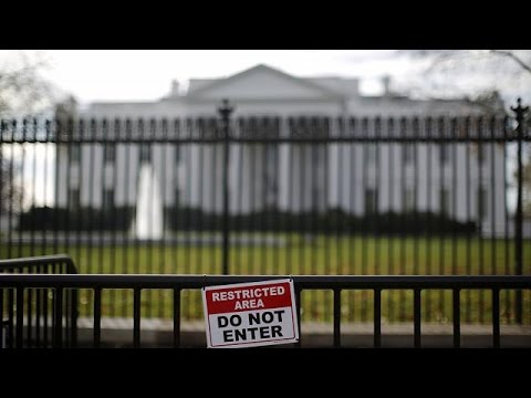 White House in lock down after car bomb scare