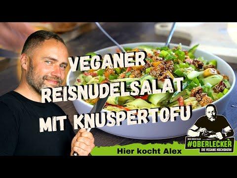 veganer-reisnudelsalat-mit-knuspertofu-im-sweet-chili-sesammantel...