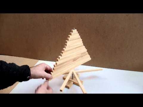 Необычная елка из деревянных брусков своими руками