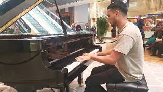 Epic Fairy Tail - Main Theme In A Shopping Centre! | Piano Arrangement