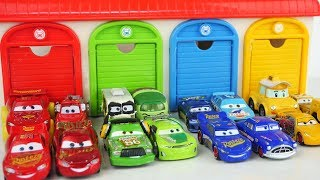 Cars 3 Toys go back to the garage \ Learn Colors with Disney Cars 3 Toy for Kids! Paw Patrol Toys