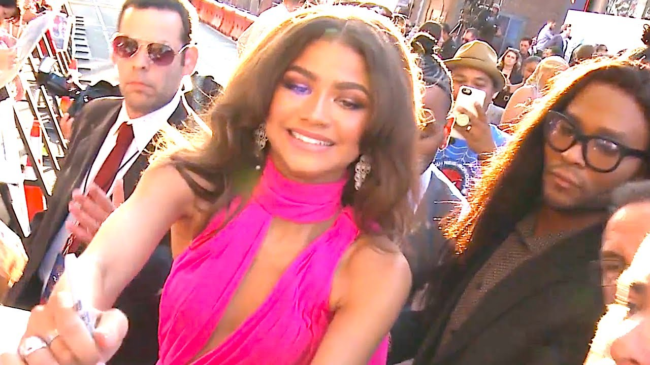 Zendaya Hot Red Carpet Spiderman World Premiere 2017 Spiderman Homecoming Audi Carjam Tv Hd