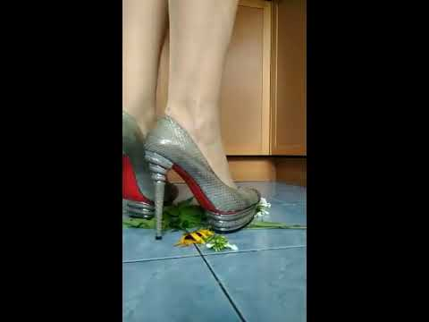 High heels shoes vs flowers