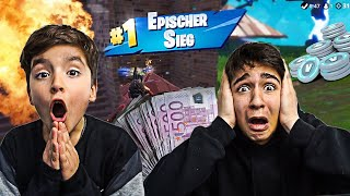 My LITTLE BRUDER gets 1000 V-Bucks per Kill in Fortnite! *TEUER*