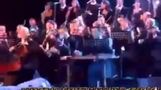 وفاة مطربه مغربية وهي تغني علي المسرح