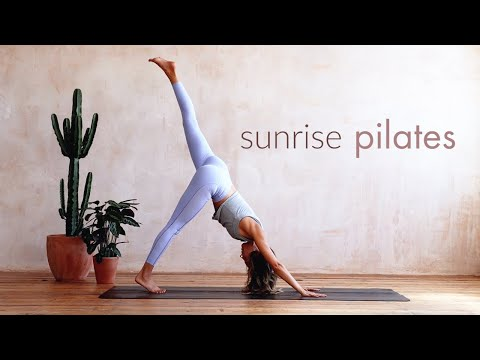Sunrise Pilates Workout | 30 Minute Practice | Lottie Murphy