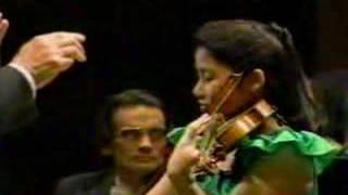 Sarah Chang: Mendelssohn Violin Concerto Mvt.1 Part1