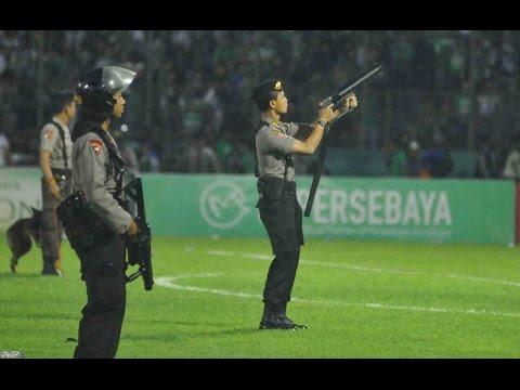 Tragedi Tambaksari - Bonek Bentrok vs Polisi